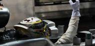 Hamilton celebra una de sus victorias esta temporada - SoyMotor.com
