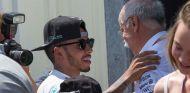 Lewis Hamilton y Dieter Zetsche en Mónaco - SoyMotor.com