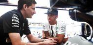 Hamilton no quiere que Red Bull deje a Renault para ser propulsados por Mercedes - LaF1