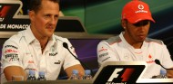 Schumacher y Hamilton en una imagen de archivo - SoyMotor.com