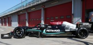 Hamilton 'saborea' los Pirelli de 18 pulgadas con 130 vueltas a Imola - SoyMotor.com