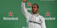 Hamilton decidió no defenderse de una sanción por chocar con Albon - SoyMotor.com