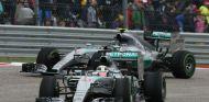 Wolff busca una lucha interna entre Hamilton y Rosberg - LaF1