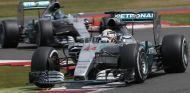 Lewis Hamilton y Nico Rosberg en Silverstone - LaF1