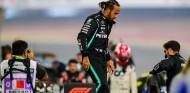 Hamilton, carrera contrarreloj y con obstáculos para recuperarse de la covid-19 - SoyMotor.com