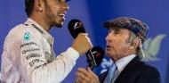 Lewis Hamilton y Sir Jackie Stewart en Baréin - SoyMotor.com