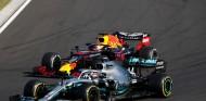 Lewis Hamilton y Max Verstappen en el GP de Hungría F1 2019 - SoyMotor