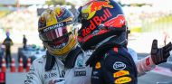 Lewis Hamilton y Max Verstappen en Japón - SoyMotor.com