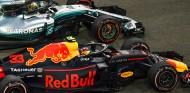 Lewis Hamilton y Max Verstappen en Yas Marina - SoyMotor.com