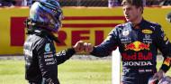 La otra 'batalla' entre Hamilton y Verstappen: los sueldos de los pilotos, al detalle - SoyMotor.com