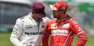 Polémico toque entre Hamilton y Vettel antes de la bandera roja de Bakú - SoyMotor.com