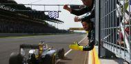 Lewis Hamilton gana en Hungría - LaF1