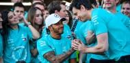 Mercedes barajó no parar a Hamilton y pedirle que dejara pasar a Bottas - SoyMotor.com
