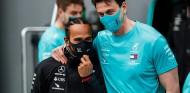 Hamilton y Wolff firmarán la renovación después de Abu Dabi - SoyMotor.com