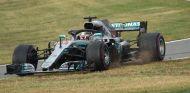 Lewis Hamilton en el momento d ela irregularidad –SoyMotor.com