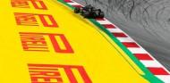 Pirelli prevé variedad de estrategias por la amenaza de lluvia del sábado - SoyMotor.com