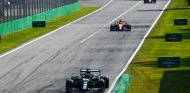 La FIA desvela el diálogo con Hamilton a su sanción en Monza - SoyMotor.com