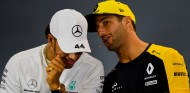 Hamilton no ve justa la sanción a Ricciardo en Francia - SoyMotor.com