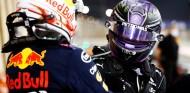 ¿Habría ganado Verstappen de no devolverle la posición a Hamilton y haber sido sancionado? - SoyMotor.com