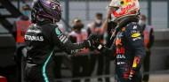 """Hamilton y Verstappen disfrutan de sus luchas en pista: """"Se debe al respeto"""" - SoyMotor.com"""