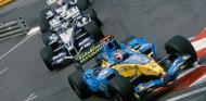 Fernando Alonso lidera a Nick Heidfeld y Mark Webber en Mónaco 2005 - SoyMotor.com