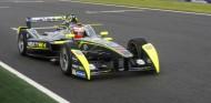Adrián Campos Jr. rueda en Valencia con el Gen1 de Piquet en el homenaje a su padre - SoyMotor.com