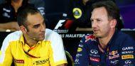 Cyril Abiteboul y Christian Horner en la rueda de prensa de la FIA - LaF1