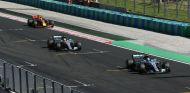 Bottas a punto de cruzar la línea de meta en Hungría - SoyMotor.com