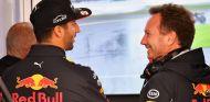 Daniel Ricciardo y Christian Horner - SoyMotor.com