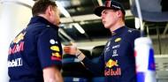 Max Verstappen y Christian Horner en el GP de Gran Bretaña F1 2019 - SoyMotor