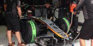 Nico Hulkenberg en su box - LaF1.es
