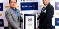 El Hyundai Kona eléctrico consigue un récord Guinness - SoyMotor.com