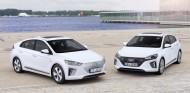 El Hyundai IONIQ aspira a convertirse en el más duro rival del Toyota Prius - SoyMotor