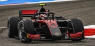 Ilott, a por Schumacher con la Pole de Baréin - SoyMotor.com