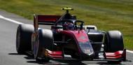 Ilott arrasa en Silverstone y se coloca líder de la Fórmula 2 - SoyMotor.com
