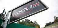 Acuerdo para que la F1 corra en Imola hasta 2025, según prensa italiana - SoyMotor.com