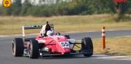 Jamie Chadwick puede ser campeona de las MRF Challenge - SoyMotor.com