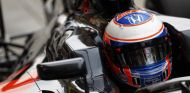 Button abandona en Baréin - LaF1
