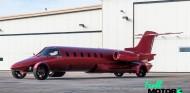 Un jet privado se transforma en limusina para pasear por las calles - SoyMotor.com