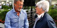 Eddie Jordan y Bernie Ecclestone en una imagen de archivo de 2016 - SoyMotor