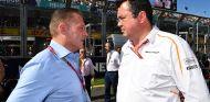 Jos Verstappen y Éric Boullier en Albert Park - SoyMotor.com