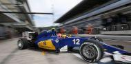 Felipe Nasr sale de su box en Rusia - LaF1