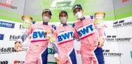 Podio de Dani Juncadella en las 24 Horas de Nürburgring 2021 - SoyMotor.com