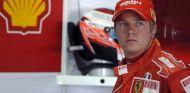 Kimi Räikkönen en el box de Ferrari en 2007