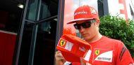 Kimi Räikkönen en el paddock de Silverstone - LaF1