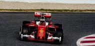 Kimi Räikkönen cree que el 'halo' está bien y dificulta poco la visión - LaF1