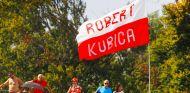 Bandera de apoyo a Robert Kubica en Monza - SoyMotor.com