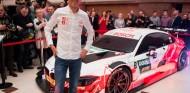 Robert Kubica presenta la decoración de su BMW M4 DTM - SoyMotor.com