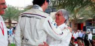 Mario Theissen, Robert Kubica y Bernie Ecclestone en Baréin - SoyMotor.com