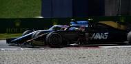 Robert Kubica y Kevin Magnussen en el GP de Austria 2019 - SoyMotor